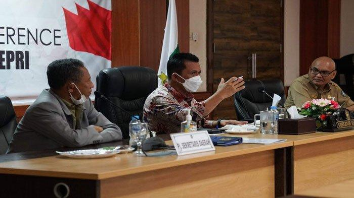 Gubernur Kepri Ansar Ahmad Ajak Bupati dan Wali Kota Manfaatkan Dana SMI