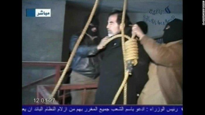Sorot Mata Sedih Saddam Husein Jelang Digantung, Sempat Mogok Makan, Bocor Pengakuan Agen CIA: Seram