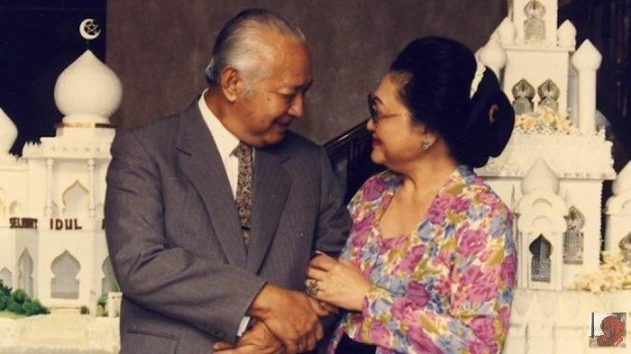 Kisah Cinta Bu Tien & Pak Harto yang Jarang Diketahui, Bertemu gara-gara Dijodohkan