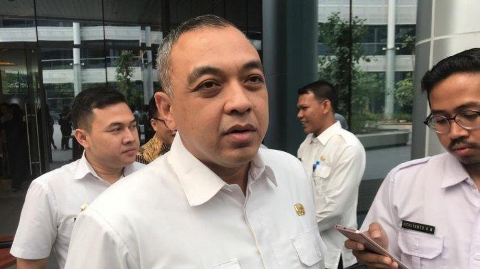 Bupati Tangerang, Ahmed Zaki Iskandar