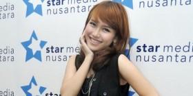 Gara-gara Celana Jeansnya Sobek, Ayu Ting Ting 'Dibully' Netizen