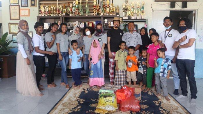 A-Plus Model Agency Berbagi dengan Anak Panti di Tembesi