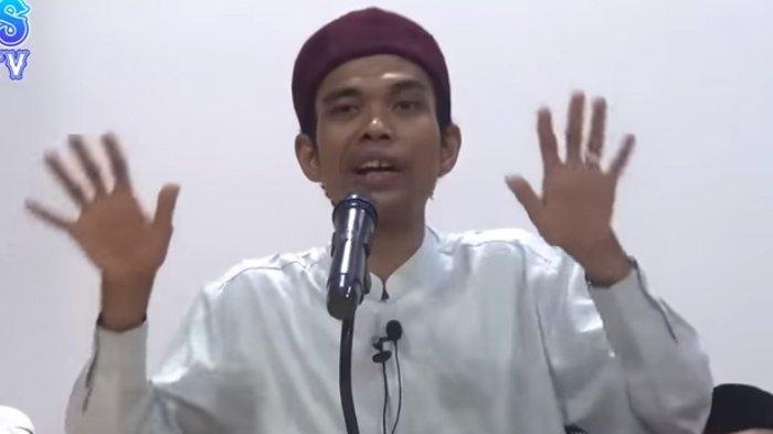 Saat Sahur Mendengar Azan Subuh, Bagaimana dengan Makanan Dimulut? Ini Jawaban Ustaz Abdul Somad