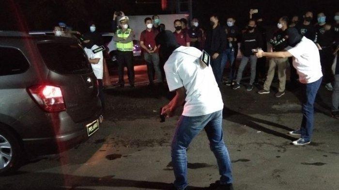 Kabar Mengejutkan,Polisi Terduga Penembak FPI Disebut Tewas di Jalan, Warga Heran Nama Jalannya