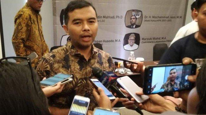 Koordinator Indonesia Coruuption Watch (ICW), Adnan Topan Husodo meyakini Ketua Komisi Pemberantasan Korupsi (KPK) tidak akan lolos Tes Wawasan Kebangsaan (TWK).