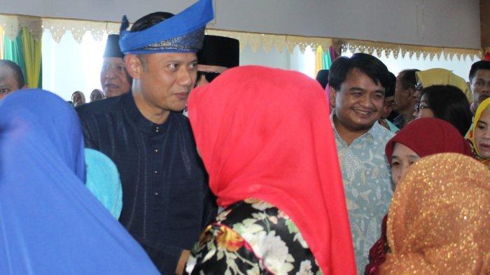 Disambut Hangat di Tanjungpinang, Agus Yudhoyono Puji Seluruh Wanita di Indonesia