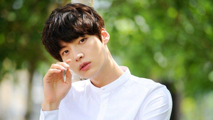Postingan Instagramnya Bikin Fans Khawatir, Ini Jawaban Agensi Ahn Jae Hyun