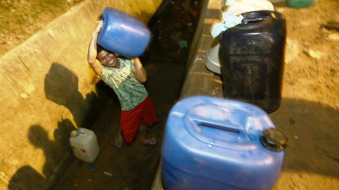 Temukan Sumber Air di Desa Air Sena, Camat Siantan Tengah Janjikan Ini ke Warga