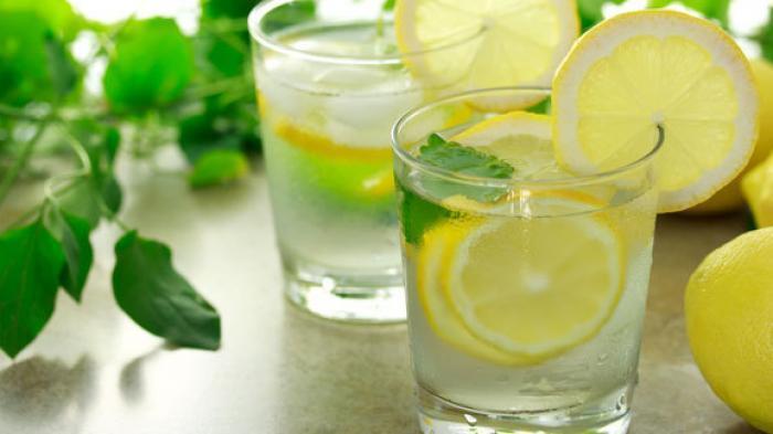 Benarkah Air Lemon Ampuh untuk Menurunkan Berat Badan? Intip Faktanya disini!