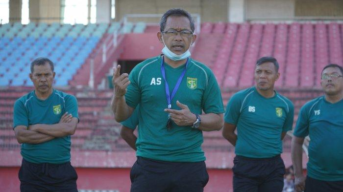 Jelang Seri 2 Liga 1 2021, Aji Santoso Gembleng Mental Pemain Persebaya Surabaya