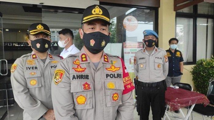 Posko kemanusiaan pesawat Sriwijaya Air yang hilang kontak dan diperkirakan jatuh dipersiapkan Kapolres Pelabuhan Tanjung Priok, AKBP Ahrie Sonta.