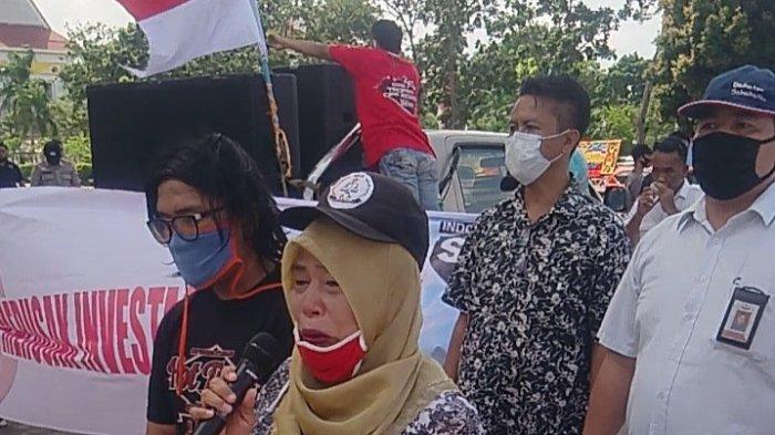 Nuranis Menuntut Keadilan, Minta Haknya Dibayarkan, Demo di Depan Kantor Wali Kota Batam
