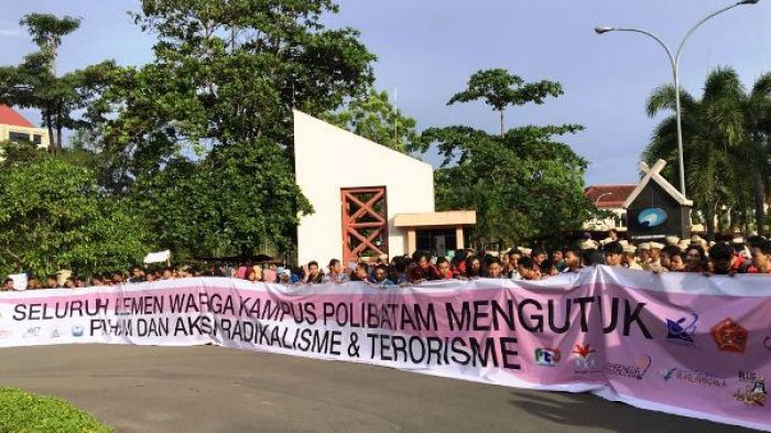 Mahasiswa dan Dosen Politeknik Negeri Batam Gelar Aksi Menentang Radikalisme
