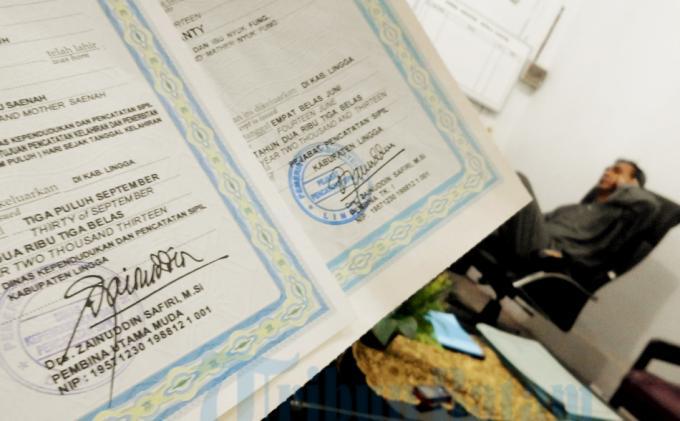 Apakah Bisa Urus Akta Kelahiran tanpa KTP Orangtua?