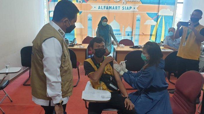 Dukung Program Pemerintah Tangani Covid-19, Aprindo & Alfamart Gelar Vaksinasi di Batam
