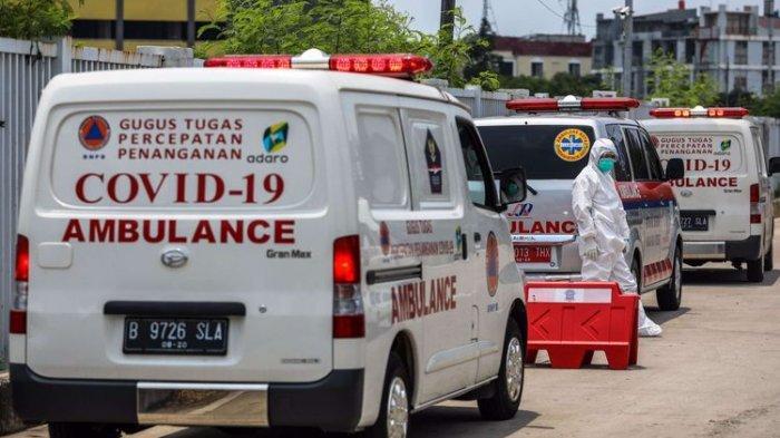 Ilustrasi. Petugas kesehatan menggunakan alat pelindung diri saat tiba di pos pemeriksaan IGD Rumah Sakit Darurat Penanganan COVID-19, Wisma Atlet Kemayoran, Jakarta Pusat, Rabu (16/9/2020).