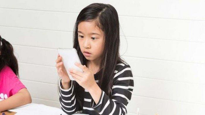 Jangan Manjakan Anak dengan HP, Mata Bocah Ini 'Hancur' Tak Bisa Diobati. Terapkan Teori 20-20-20