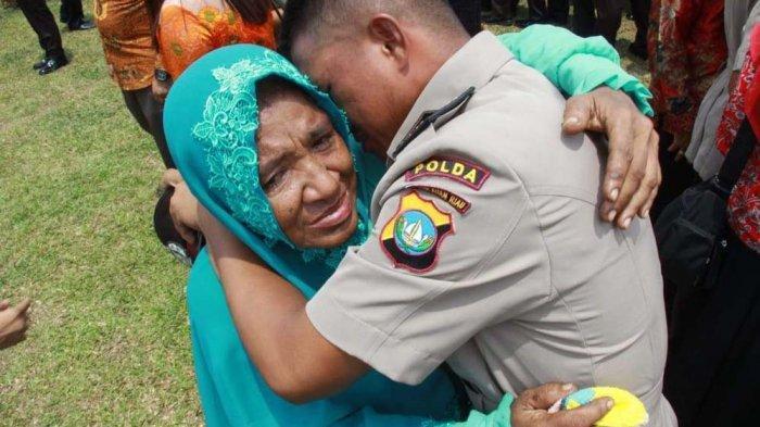 Kisah M Ikram, Anak Pemulung Jadi Polisi di Kepri, Saya Buktikan Masuk Polisi Bukan Pakai Uang