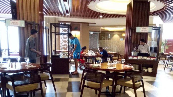 Suasana di Andaliman Resto Best Western Premier Panbil di Batam.