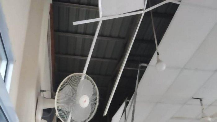 Kondisi atap di Perumahan Pesona Bukit Laguna, Kecamatan Sei Beduk, Senin (8/3/2021).