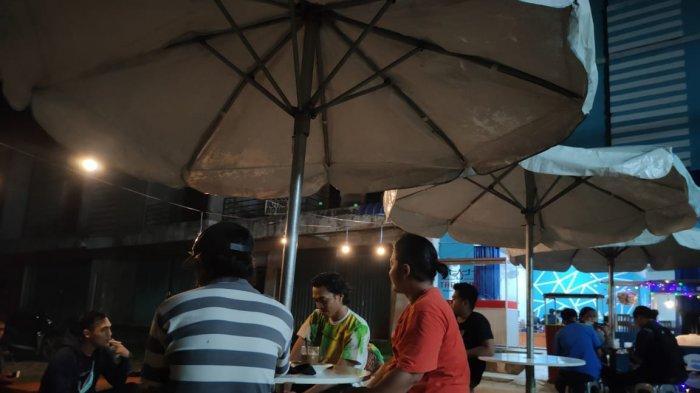 Angkringan Sudut Nongsa, Tempat Seru Kumpul Anak Muda, Usung Konsep 'BPJS'. Tempat ini menjadi salah satu lokasi berkumpul anak muda di Kecamatan Nongsa.