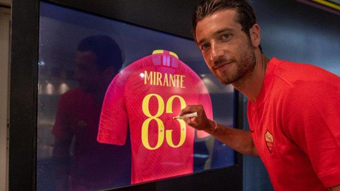 Transfer AC Milan - Antonio Mirante Kiper Baru AC Milan Eks AS Roma, Ganti Mike Maignan yang Cedera