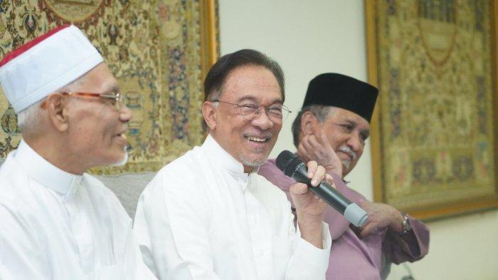 Anwar Ibrahim Merasa Dikhianati; Ini Adalah Pengkhianatan, Karena Sudah Ada Janji Mahathir ke Saya
