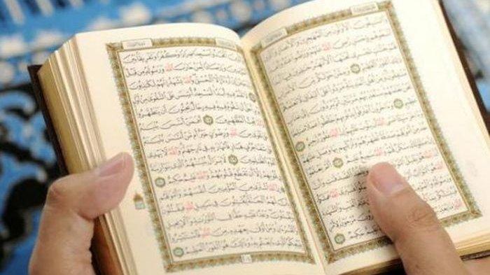 Ilustrasi membaca Alquran