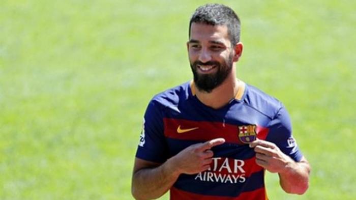 Pemain Barcelona Asal Turki Ini Tidak Bisa Tampil Tiga Pekan. Ini Sebabnya