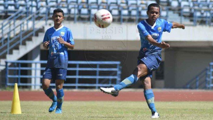 Jelang Liga 1 2020 - Inilah Tiga Pemain Muda yang Dipromosikan ke Tim Senior Persib Bandung