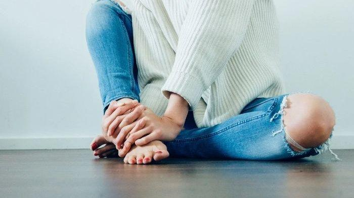 Lutut Hitam Dapat Dicerahkan dengan Cara Alami, Apaan Sih Bahannya? Ada Kunyit hingga Lemon