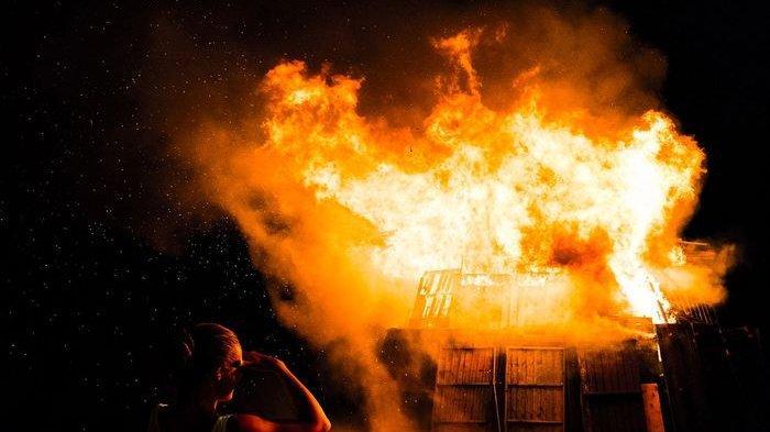 Misteri Tewasnya Akiong Terbakar di Kamar, Anak Curiga? 'Kakek Saya Kayaknya Mau Bunuh Diri'