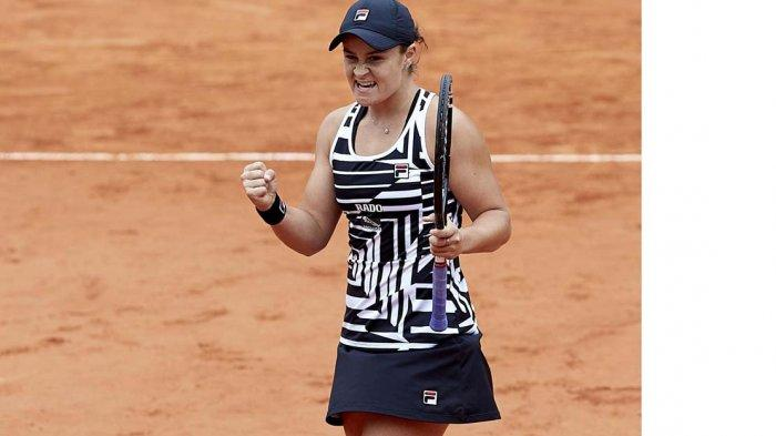 Hasil Wimbledon 2021 - Ashleigh Barty & Aryna Sabalenka ke Perempat Final, Emma Raducanu Mundur