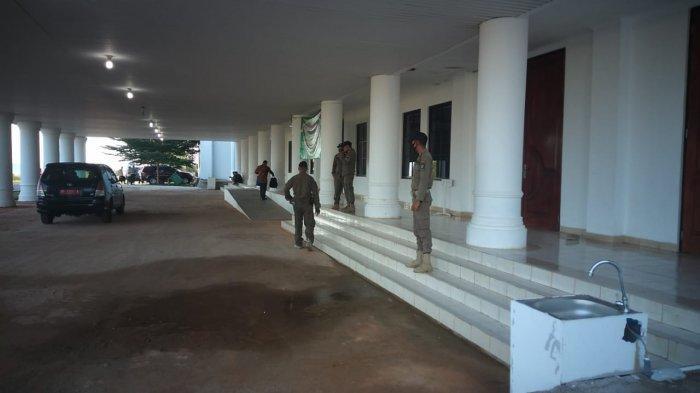 Satgas Covid-19 Bubarkan Kegiatan BKMT di Aula Kantor Gubernur Kepri