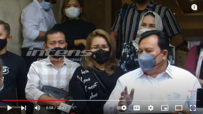 Ayah Rozak dan Umi Kalsum dipanggil polisi sebagai saksi atas laporan Ayu Ting Ting terkait dugaan hinaan oleh KD.