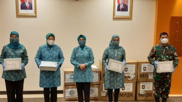 Datang ke Kepri, Tri Tito Karnavian Bagikan 40 Ribu Masker Medis, 'Langsung Disalurkan'