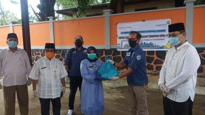 Meski Sepi Aktivitas, Angkasa Pura Beri 750 Paket Sembako untuk Warga Tanjungpinang Terdampak Corona