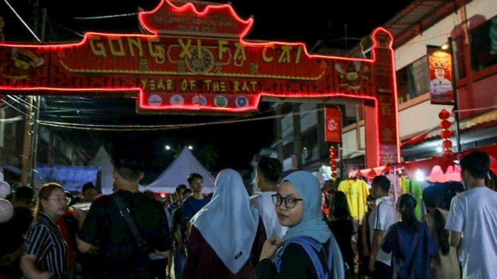 Bazar Imlek di Tanjungpinang Diserbu Warga, Selain Belanja Bisa Swafoto dengan Lampion Khas Imlek