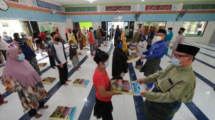 Baznas Tanjungpinang Distribusikan Zakat di Kampung Bugis, Program Pemko Tanjungpinang