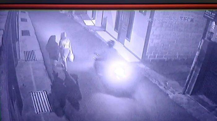 Pelaku Pelecehan Teror Warga, Beraksi Pakai Motor Incar Wanita di Jalan