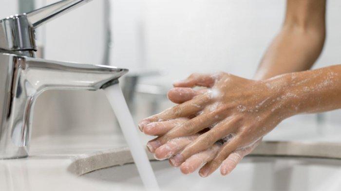 CUCI TANGAN - Berikut cara mencegah iritasi akibat sering cuci tangan. FOTO: ILUSTRASI.