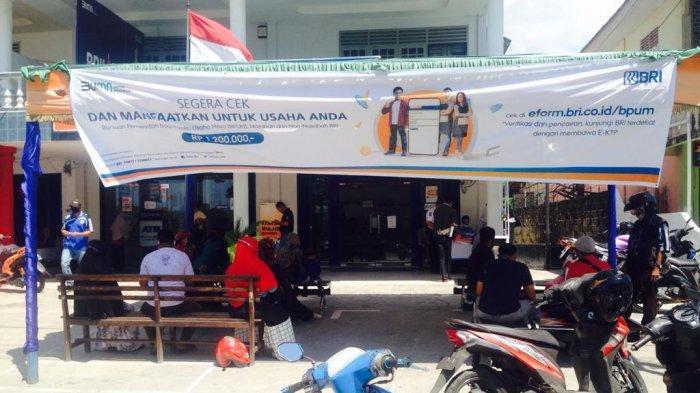 Suasana Bank BRI KCP Ranai Natuna, di Jalan Soekarno-Hatta, Kelurahan Ranai Kota, Kecamatan Bunguran Timur, Kabupaten Natuna, Provinsi Kepri, Selasa (20/4/2021) sore.