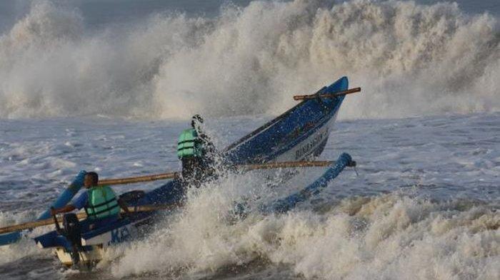 BMKG Soal Cuaca Kepri, Keluarkan Peringatan Dini Gelombang Laut, Tembus 3 Meter