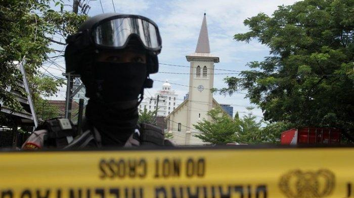 Suicide Bombing at the Makassar Cathedral Church, Police: 14 People Wounded