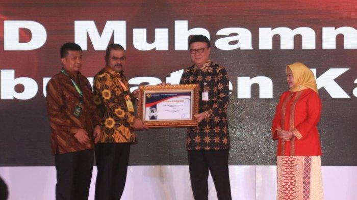 RSUD Muhammad Sani di Karimun Dapat Penghargaan Dari MenPan RB Thajho Kumolo