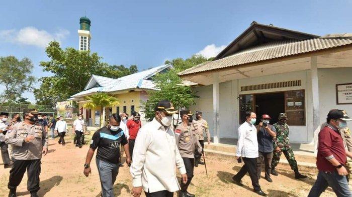 ATASI Kasus Covid-19 Karimun, Aunur Rofiq Gandeng Semua Ketua Suku Ajak Warga Ikut Vaksinasi