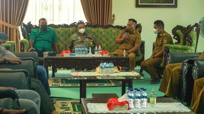 Anggota Komisi VII DPR RI Abdul Wahid ke Lingga, Bupati Curhat Kisah Tambang
