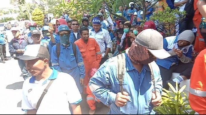 Update Demo Buruh Batam! Ini Sembilan Alasan Buruh Menolak Omnibus Law Cilaka