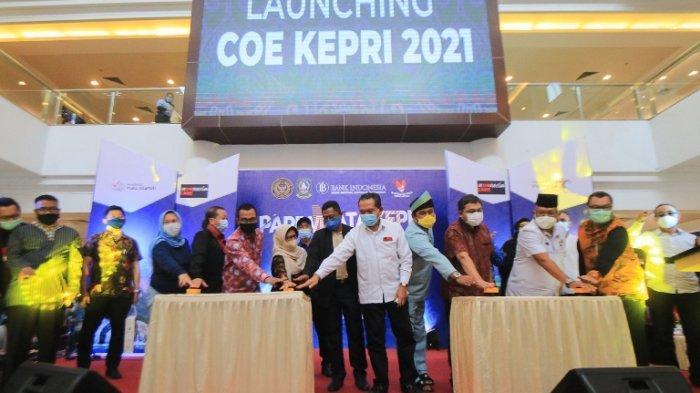 Dinas Pariwisata ( Dispar) Provinsi Kepulauan Riau ( Kepri), meluncurkan kalender pariwisata atau Calendar Of Event Kepri 2021, Jumat (5/2/2021) sore. Kegiatan ini digelar di Mega Mall Batam Center.