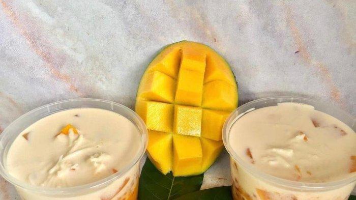 Foto Mango Sago Dessert yang dijual seorang pedagang di Anambas, Provinsi Kepri, Senin (19/4/2021).